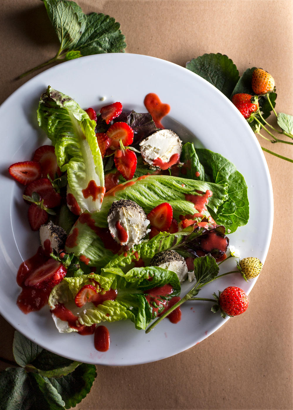 green salad strawberries 1000