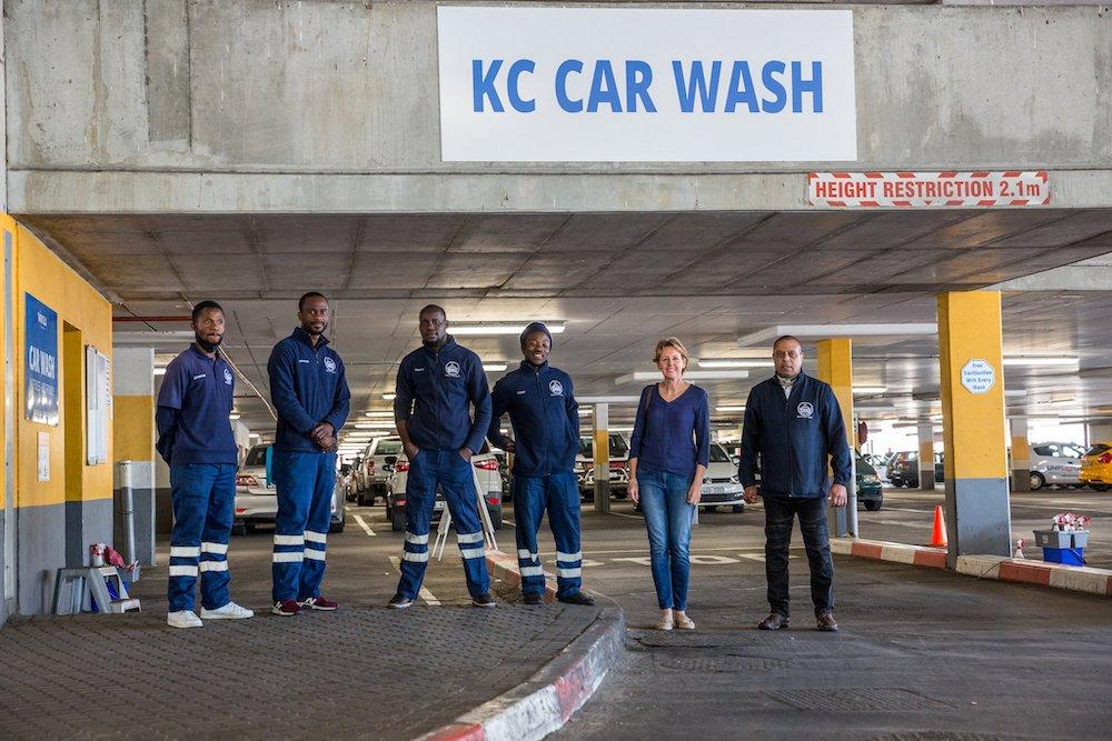 car wash team